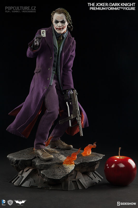 dc-comics-the-joker-the-dark-knight-premium-format-300251-03