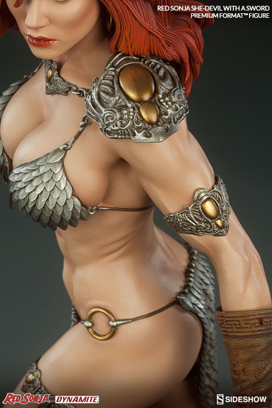 red-sonja-she-devil-with-a-sword-premium-format-300347-09