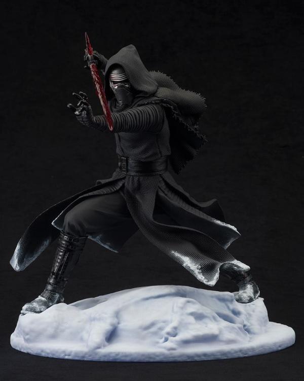 ARTFX-Kylo-Ren-Statue-002