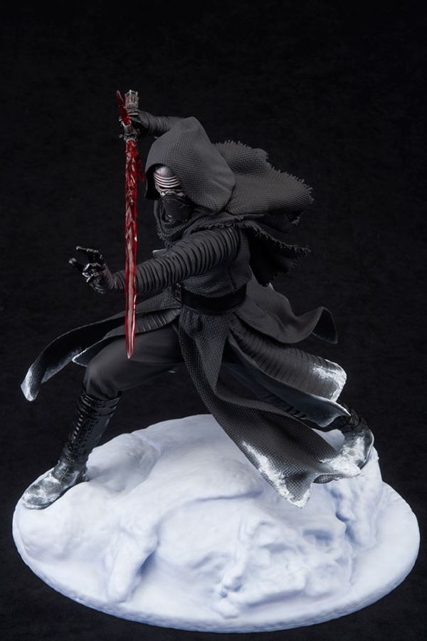 ARTFX-Kylo-Ren-Statue-009