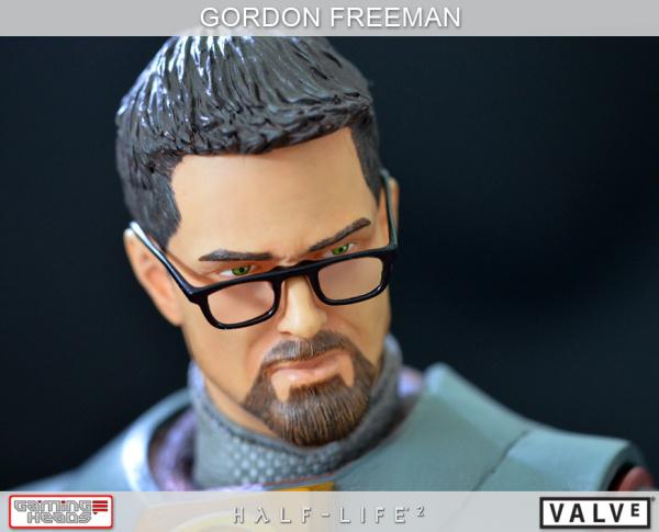 Half-Life-2-Gordon-Freeman-Standard-Statue-002_1358533088