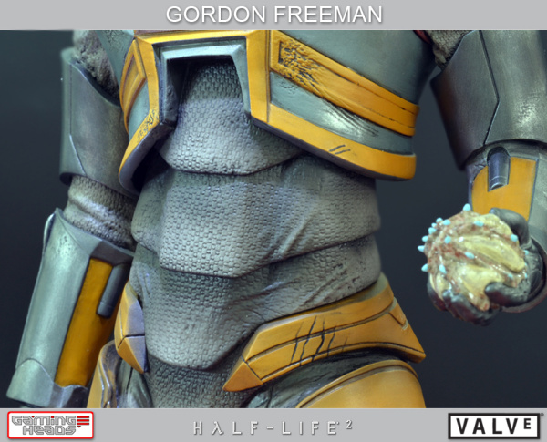 Half-Life-2-Gordon-Freeman-Standard-Statue-003_1358533088