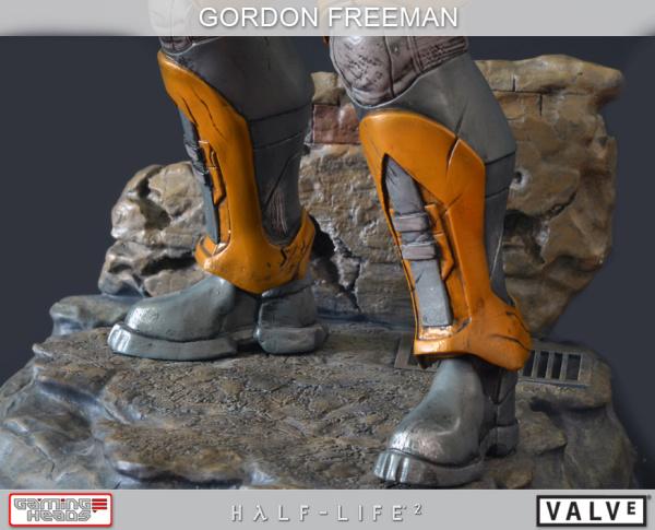 Half-Life-2-Gordon-Freeman-Standard-Statue-004_1358533088