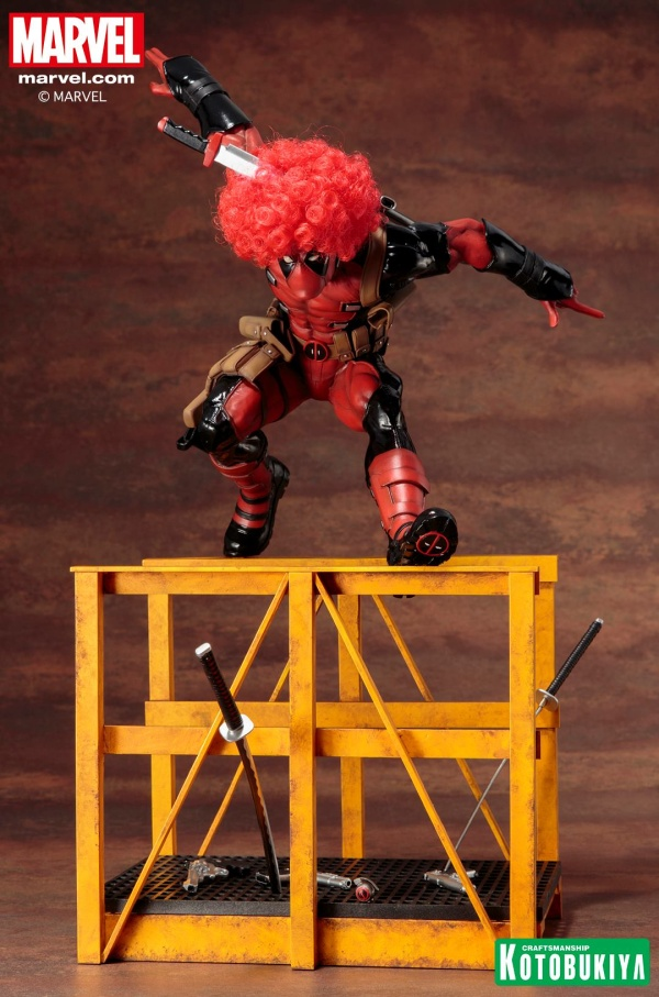 Super-Deadpool-ARTFX-Statue-003