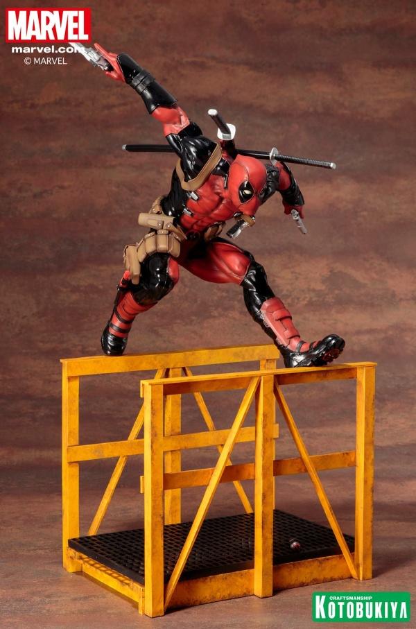 Super-Deadpool-ARTFX-Statue-008