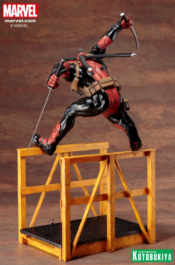 Super-Deadpool-ARTFX-Statue-011