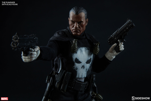 marvel-the-punisher-sixth-scale-figure-100212-02
