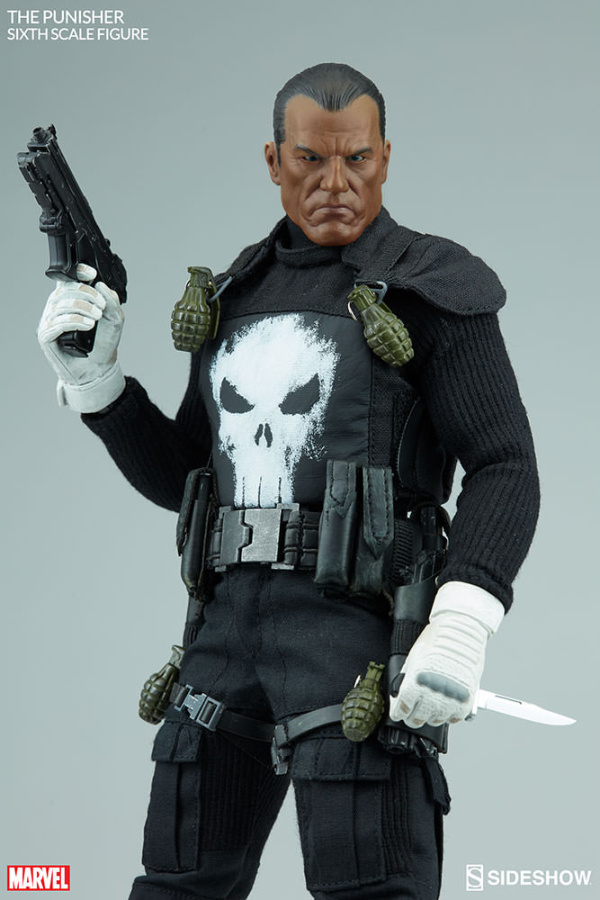 marvel-the-punisher-sixth-scale-figure-100212-06